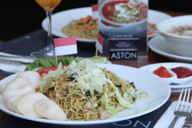 Aneka menu makanan dengan tema perjuangan seperti Mie Merah Putih, Martabak Mie, Mie Siam, Mie Goreng Seafood dan Noodles.